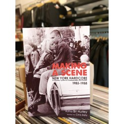 "Livro ""Making a Scene: New..."